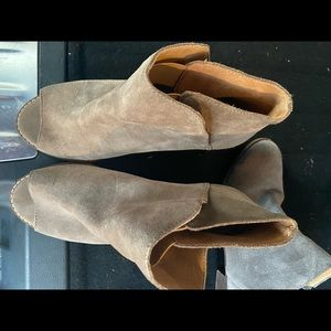 Lucky Brand booties/ankle boots